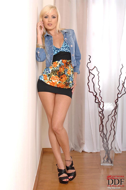 Adria Rae - Easy-Going