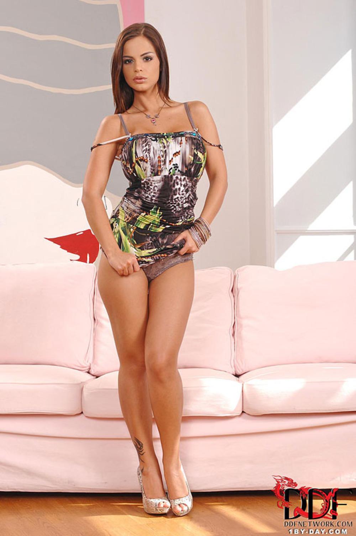 Hot Ebony Babe Ana Foxx