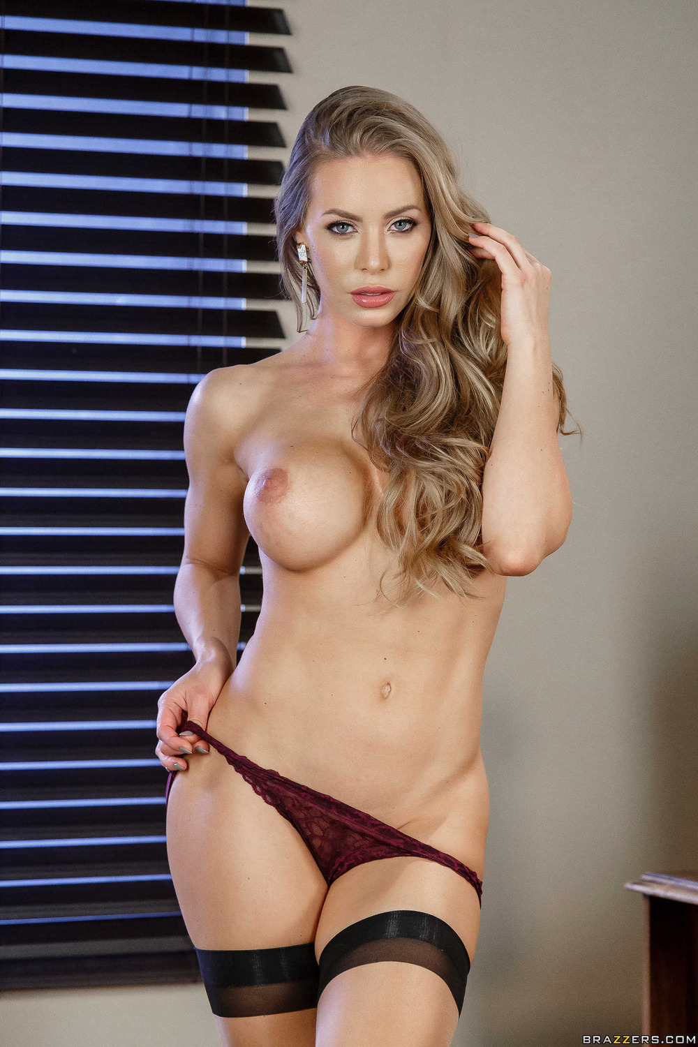 Busty And Booty Nicole Aniston Strips To Naked at Nightdreambabe