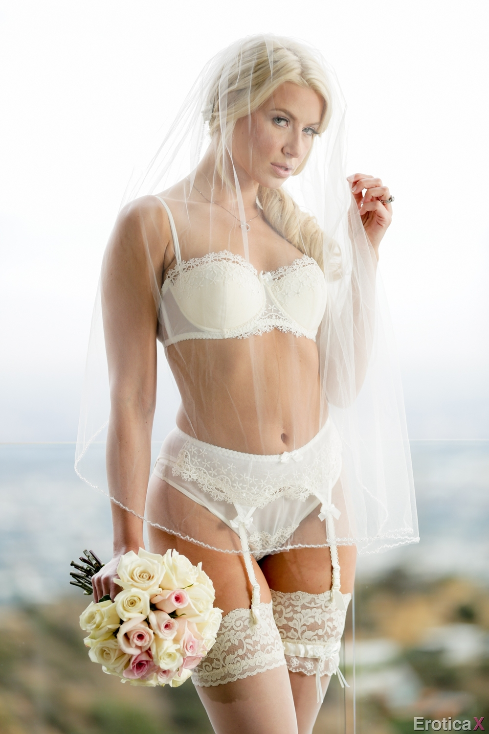 Naked Blonde Bride at Nightdreambabe