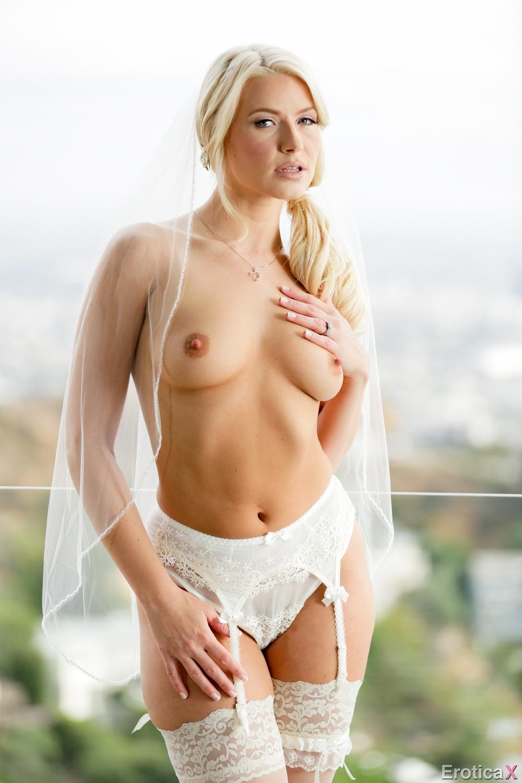 photo: Hot Russian Bride Sexy Blonde