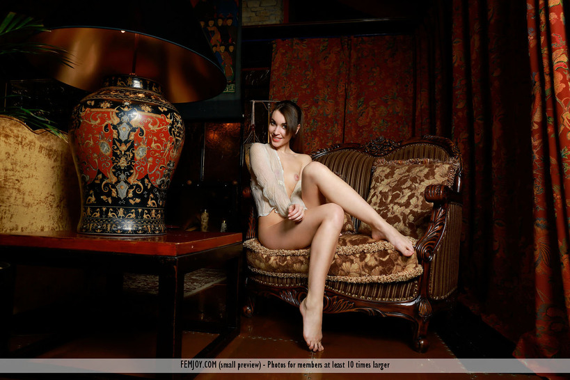 Glamour Babe Keira Q In Erotic Art Pictures
