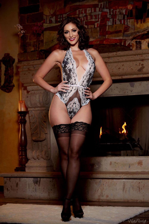 Hot Latina Girl Gina Valentina Strips And Poses Naked