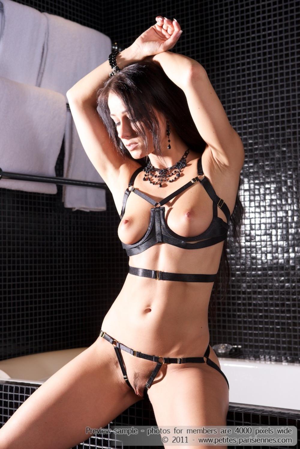 Kinky Tattooed Katrina Jade