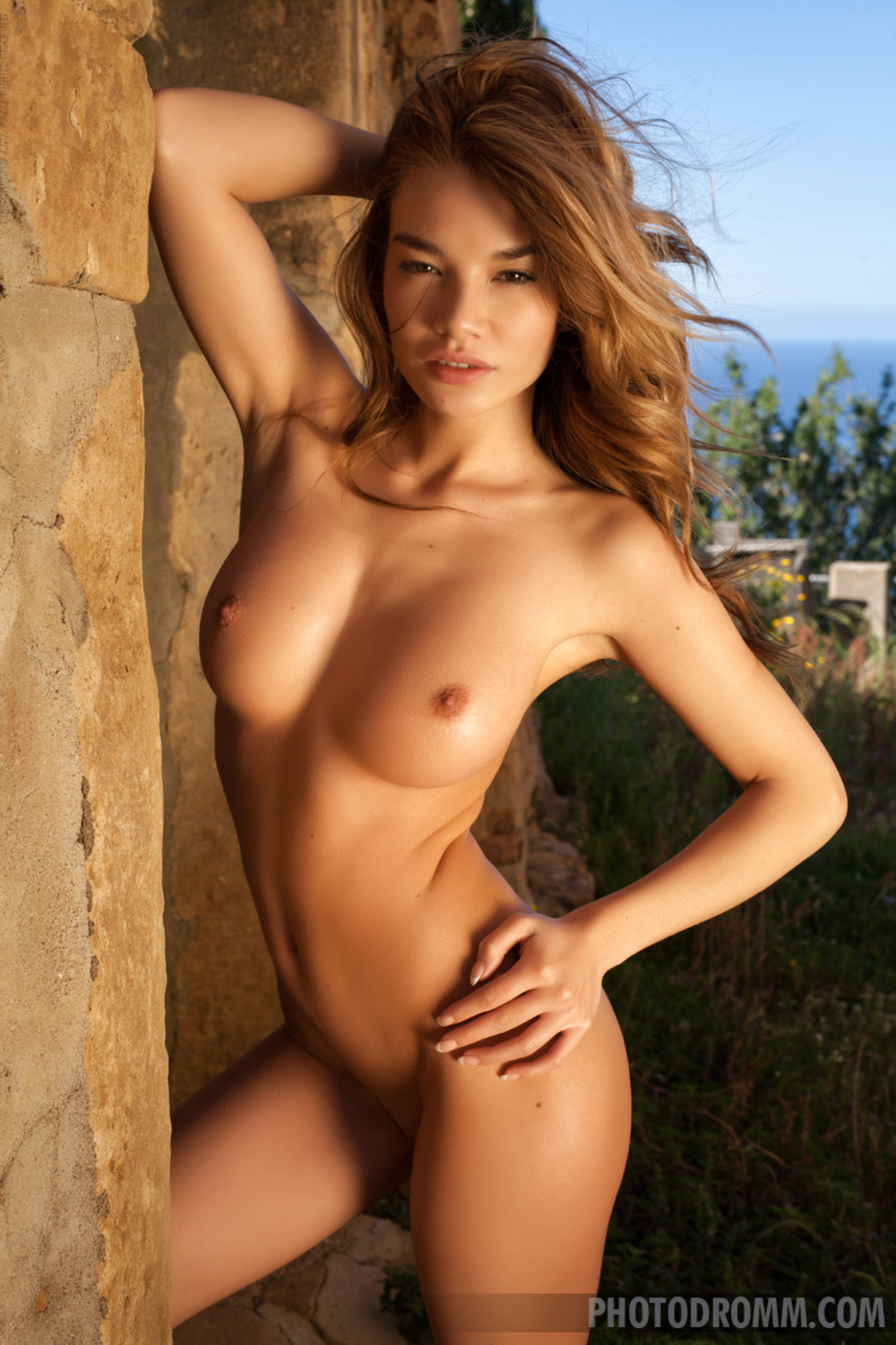 Shyla Jennings And Her Glamour Bomshell Friends Is Horny And Kinky Lesbian Action