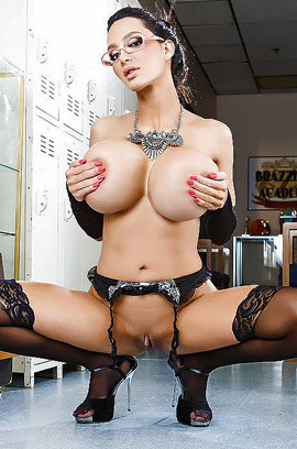 Big Boobed Milf Secrerary Amy Anderssen