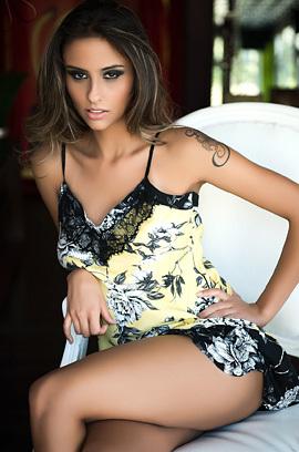 Brazilian Beauty Ellen Sapori