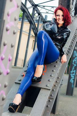 Lara Larsen In Blue Leggings