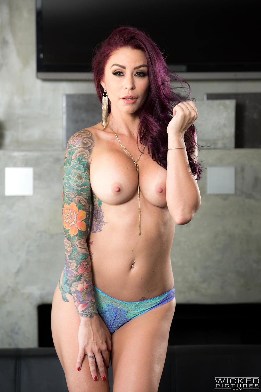 Tattooed Redhead MILF Monique Alexander at Nightdreambabe